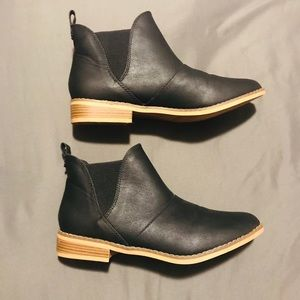 Shoes - STELLA CHASE, black booties